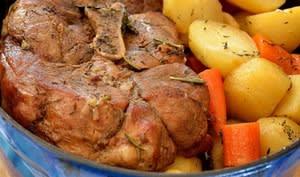 Palette de porc aux carottes et pommes de terre