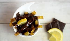 Zestes de citron confit au chocolat