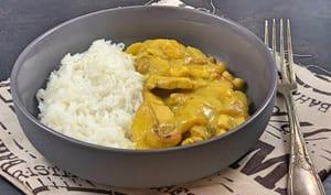 Aiguillettes de poulet au curry à la mangue et aux noix de cajou