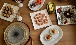 Boudin blanc poêlé au tarama, toasts au pesto de tomates