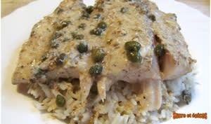 Filets de perche aux anchois et câpres sauce au yaourt