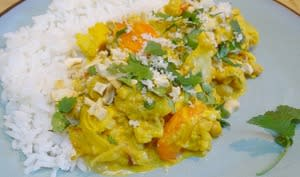 Curry de chou fleur aux carottes, pois chiches et noix de cajou