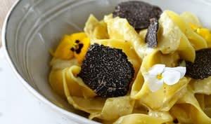 Pappardelles fraîches à la crème et truffe noire