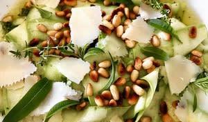 Salade de courgettes en tagliatelle