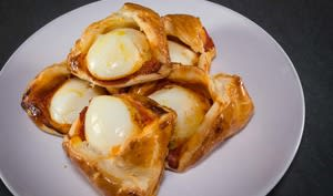 Egg curry puffs