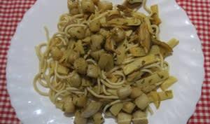 Nouilles chinoises aux pétoncles et pousses de bambou