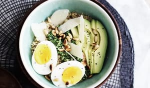 Quinoa bowl pesto avocat