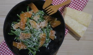 Haricots verts à la truite fumée, yaourt grec et boisson coco
