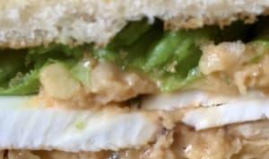 Sandwich pois chiches mayo crudités