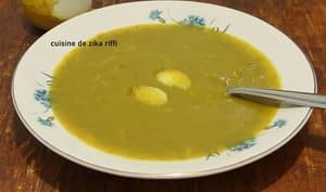 Soupe de lentilles vertes aux zestes de citron