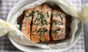 Saumon au four en papillote et ses petits légumes