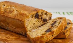 Cake salé aux pruneaux, châtaignes et comté