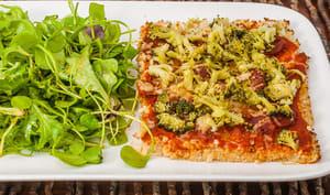 Pizza de chou fleur au chorizo et brocolis