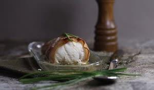 Filet de lotte au lard et beurre de ciboulette