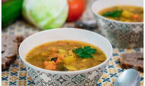 Soupe de légumes marocaine au curcuma