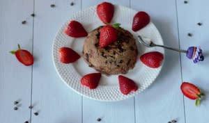 Bowl cake aux fraises et chocolat noir