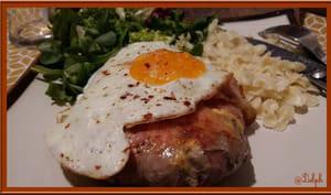Steak haché au cheddar et lard