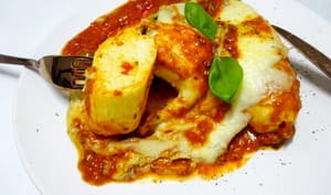Soufflets à la sauce tomate pesto basilic, olives vertes, mozzarella et parmesan