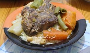 Couscous à l'agneau fèves fraîches et légumes