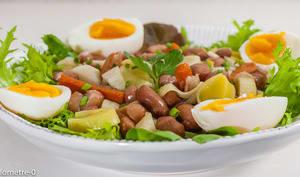 Salade de haricots blancs aux poireaux et aux oeufs
