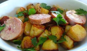 Pommes de terre rôties avec la saucisse Morteau à la cancoillotte
