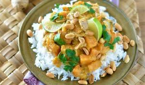 Poulet thaï au curry rouge, courge Butternut et patates douces