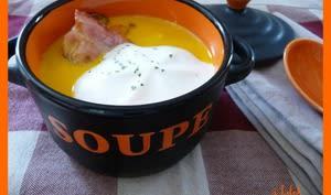 Capuccino de carottes au lard