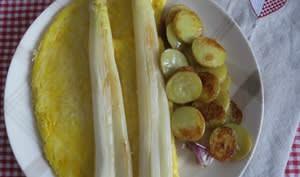 Omelette au parmesan et asperges poêlées