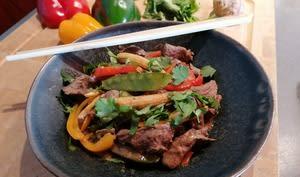 Émincés de bœuf sauté aux petits légumes aux saveurs d'Asie