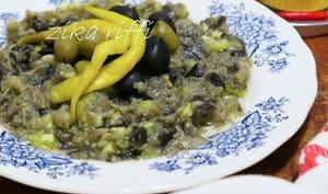 Salade d'aubergines à l'ail et au piment vert cru
