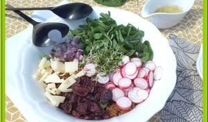 Buddha bowl de quinoa, oseille et radis