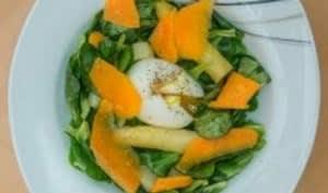 Salade d'asperges blanches œufs mollets