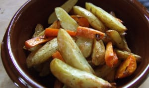 Pommes de terre et légumes rôtis au four façon potatoes