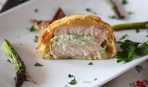 Feuilleté de saumon sauvage à la crème d'asperges vertes