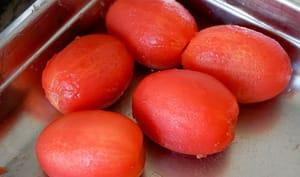 Monder une tomate