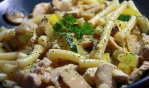 Macaronis dindes, courgettes et champignons pimentés