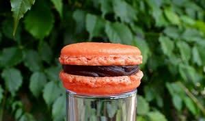 Macaron chocolat noir / gingembre de Goa