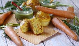 Muffins carottes-olives et velouté de fanes au Comté