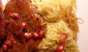 Escalopes de porc caramélisées au jus de grenade et miel