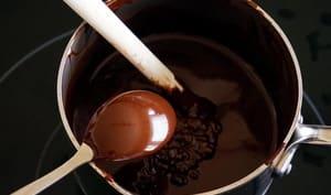 Tablage du chocolat noir