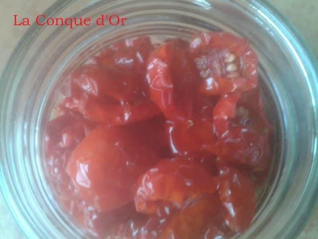 Tomates-cerises séchées et à l'huile d'olive