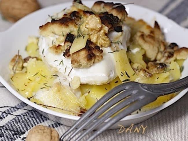 Cabillaud et pommes de terre au thym en crumble de noix