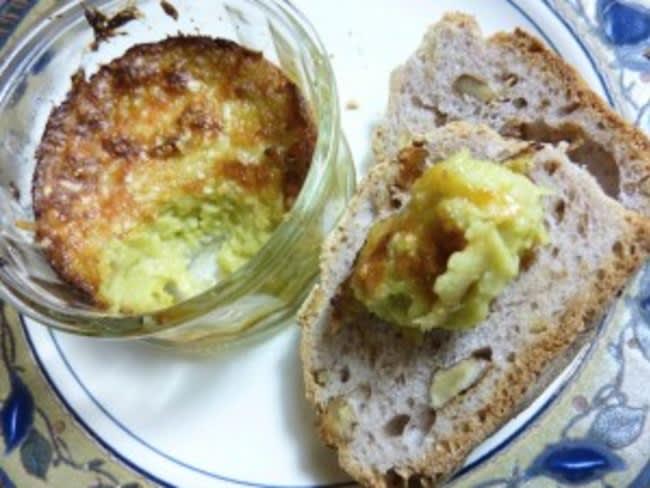 Tartinade d'artichauts chaudes, parmesan et ail