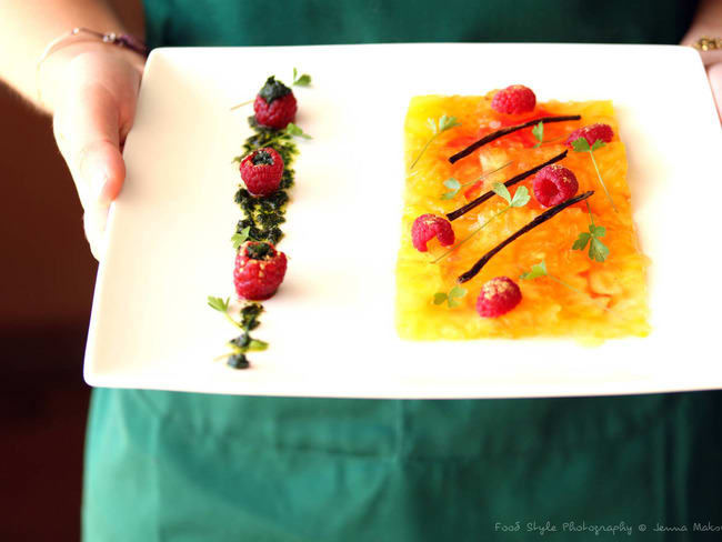 Carpaccio de tomate ananas, framboises et émulsion de coriandre