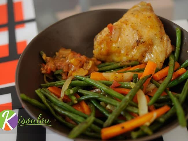Poêlée de légumes haricots verts, carottes, oignons, ail