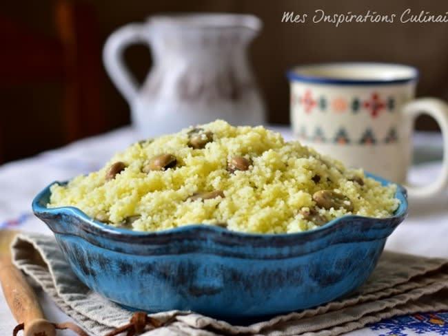 Couscous aux fèves et huile d'olive