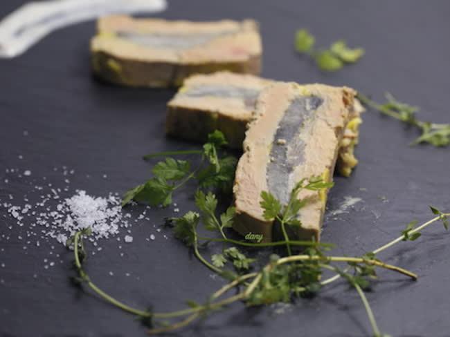 Terrine de foie gras aux coeurs d'artichaut et crème d'anchois