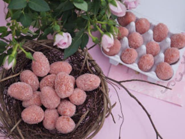 Oeufs de Pâques aux amandes et biscuits roses de Reims
