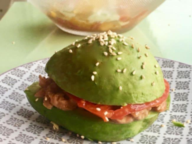 Avocado burger au saumon fumé artisanal