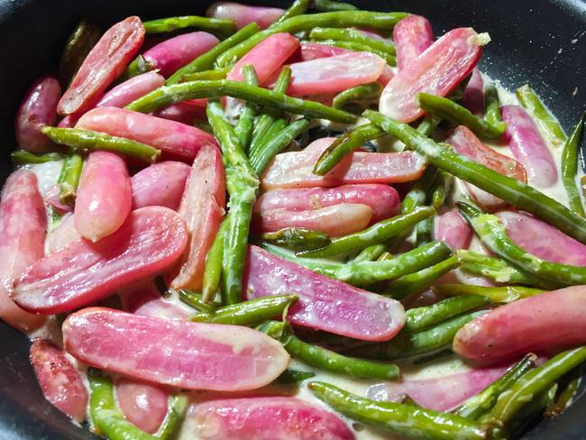 Poêlée de radis et haricots verts